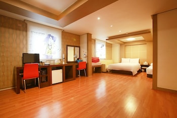 Picture of Hotel Charmant Suwon in Suwon