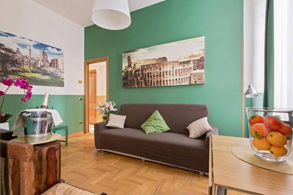 Colosseo Rome Apartments, Rome, Apartment, 2 Bedrooms (Casa Verde), Living