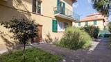 Choose This Cheap Hotel in Sestri Levante