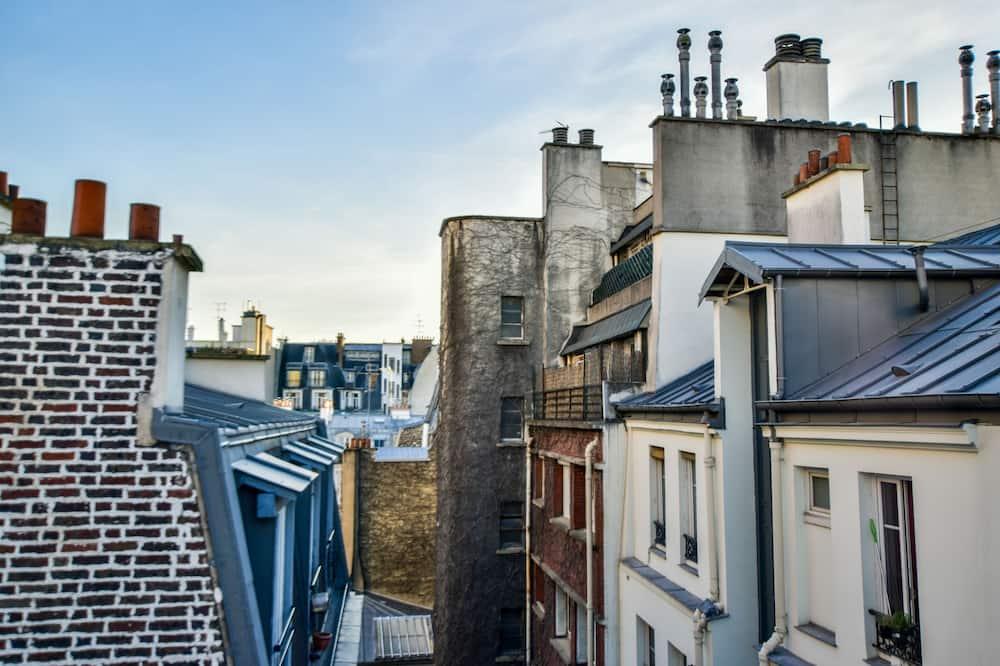 Dobbeltrom – superior, 1 queensize-seng, utsikt mot bakgård - Utsikt mot byen