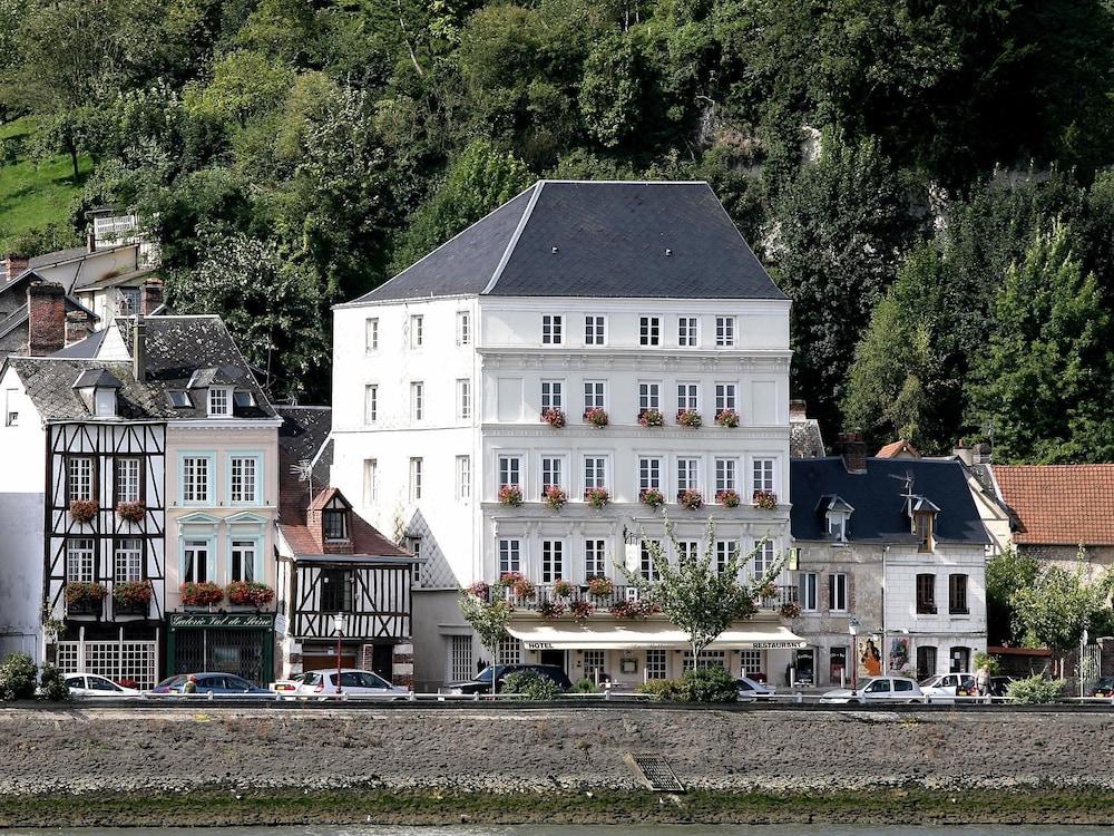 Hôtel Restaurant Le Bellevue, La Bouille, Hotel Front