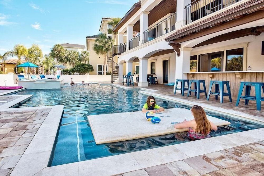 Big house by the sea 8 bedroom holiday home by five star properties destin