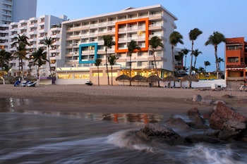 Picture of Star Palace Hotel in Mazatlan