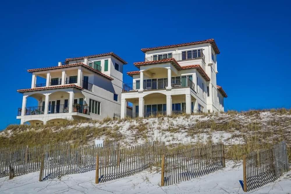 House, 5 Bedrooms, Ocean View, Beachfront - Beach