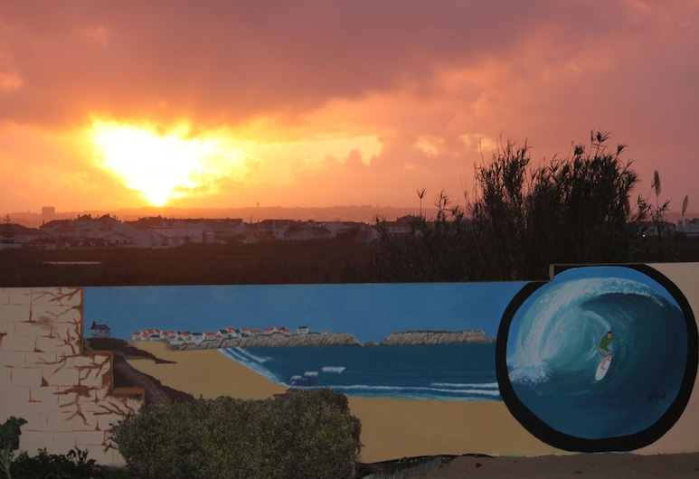 Almagreira Surf Hostel, Peniche, Vista a partir do Hotel