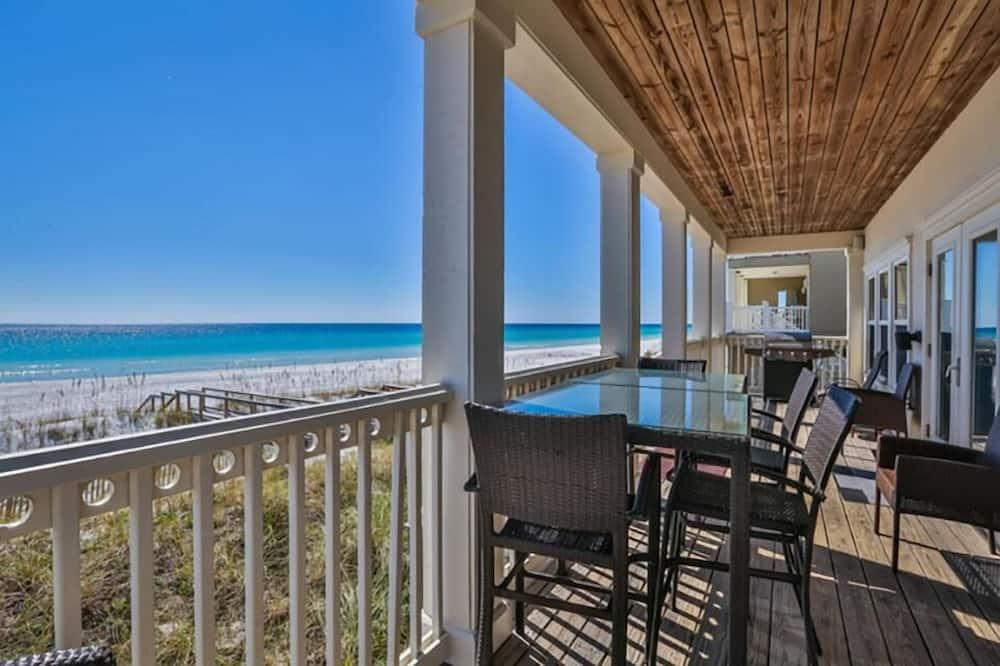 House, 6 Bedrooms, Ocean View, Beachfront - Terrace/Patio