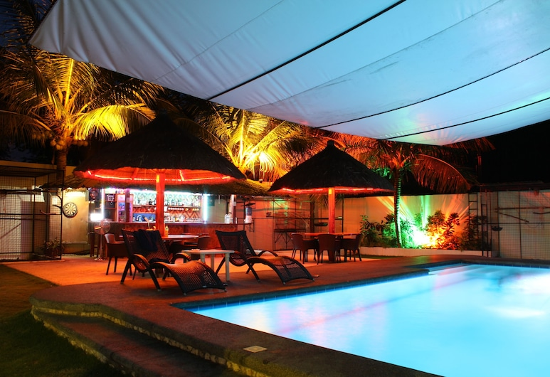 Parrot Resort Moalboal, Moalboal, Outdoor Pool