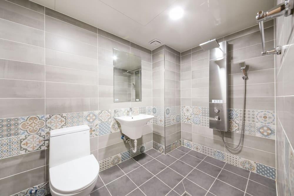 Room (Korean Ondol, Rate for 2) - Bathroom