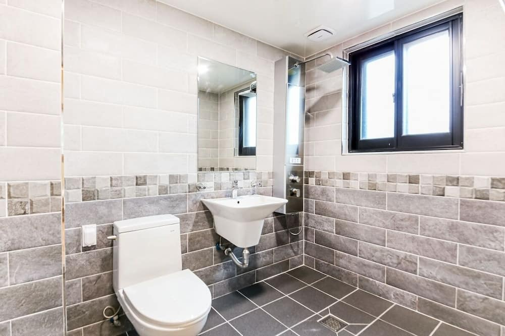Superior Room (Rate for 2) - Bathroom