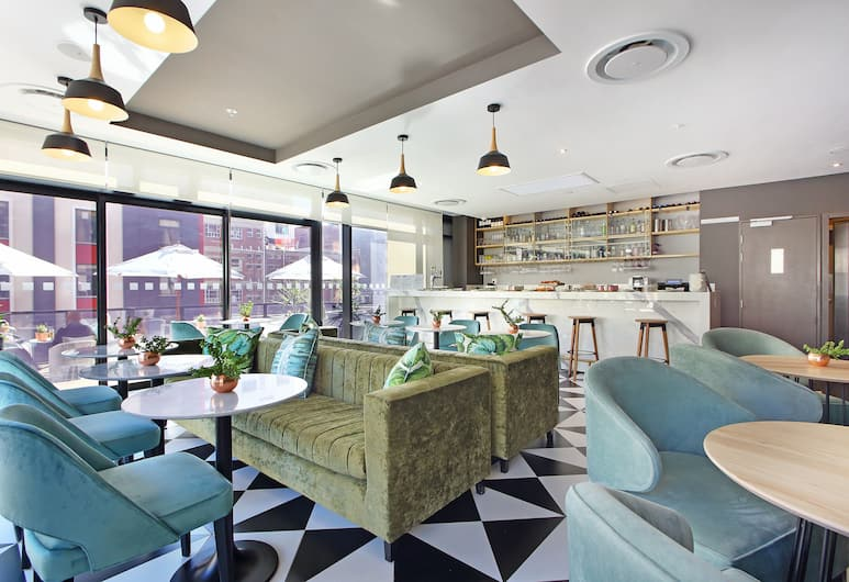 Triangle Luxury Suites by Totalstay, Cape Town, Lounge
