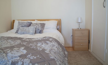 Picture of Brighton Getaways-Spacious Studio Apt in Hove