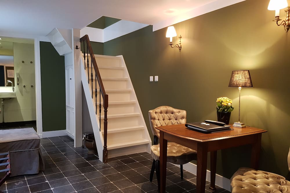 Comfort Double or Twin Room - In-Room Dining
