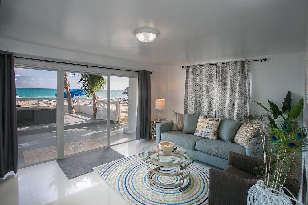 Signature Studio Suite, 1 Bedroom, Patio, Ocean View (AQUAMARINE) - Living Area
