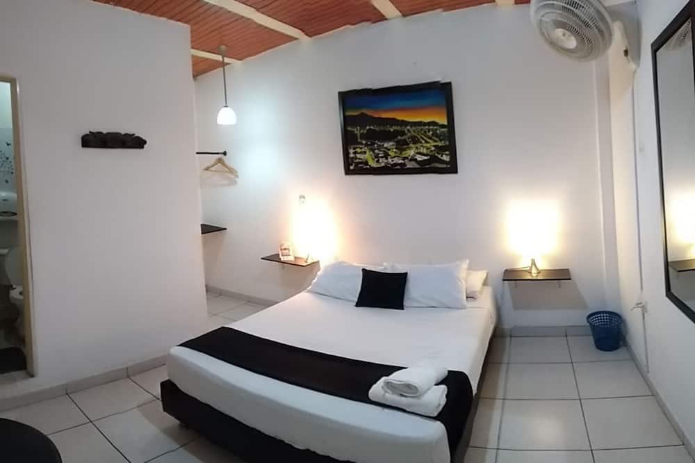 ห้องสแตนดาร์ดดับเบิล, 1 ห้องนอน, ห้องน้ำในตัว, ชั้นบน - ห้องพัก