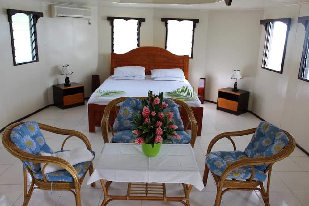 Standard Villa, 2 Queen Beds, Garden View, Beachfront - Living Area