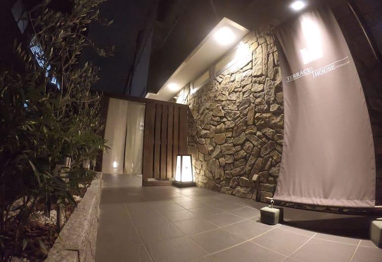 TERRACE+HOUSE 谷町, 大阪市, ホテル エントランス