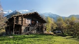 Choose this Chalet in Les Houches - Online Room Reservations