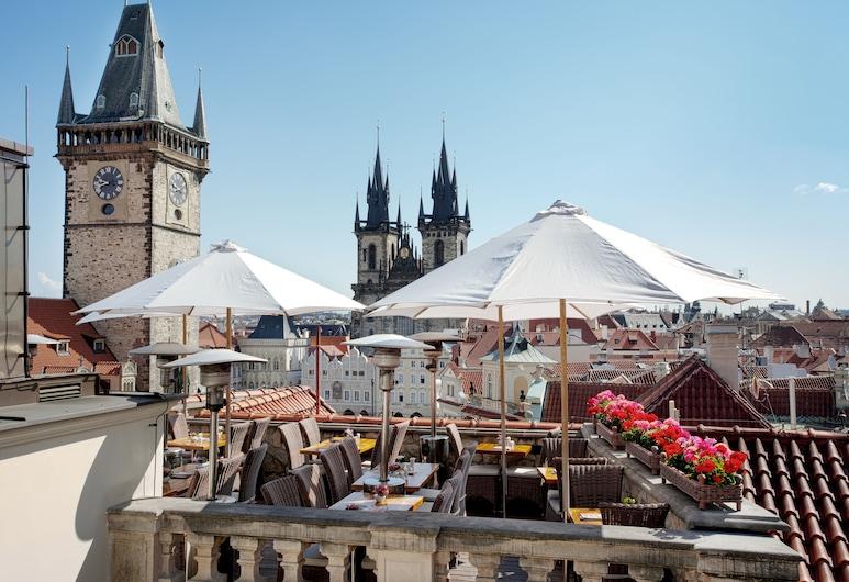 Hotel U Prince, Prague, Restauration en terrasse