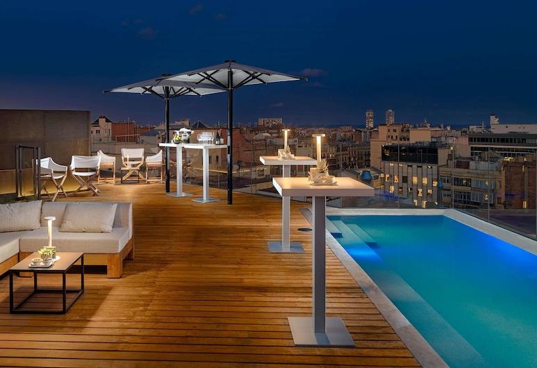 The One Barcelona GL, Barcelona, Piscina