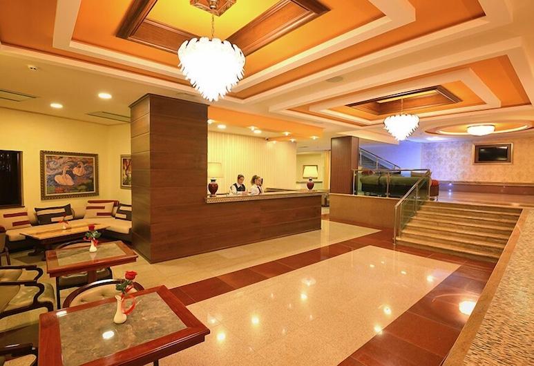Hotel Austria, Tirana, Réception