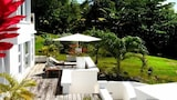 Choose this Villa in St. David - Online Room Reservations