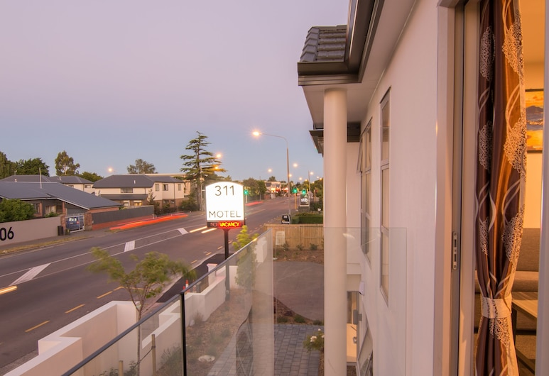311 Motel Riccarton, Christchurch, Executive Suite, 1 Bedroom, Terrace/Patio