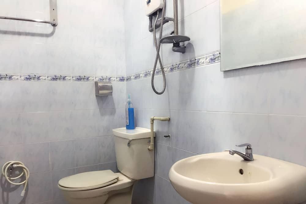 Classic Double Room, Private Bathroom, City View - Bathroom
