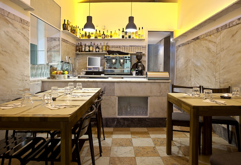 Santa Bica, Lisabon, Hotelový bar