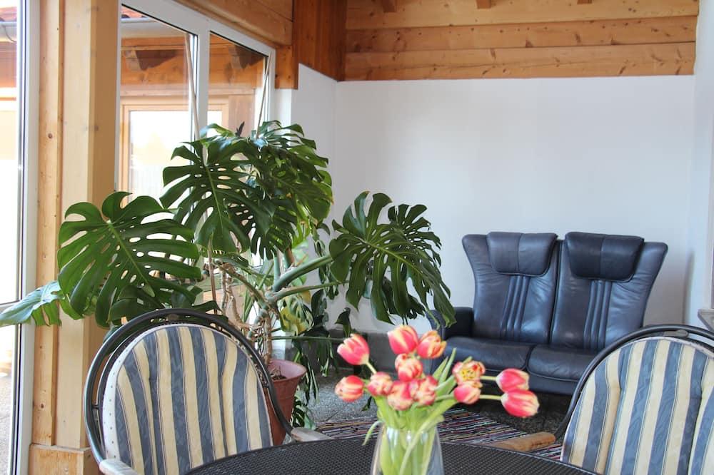 Comfort Condo, 2 Bedrooms, Garden Area - Living Area