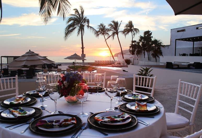 Ocean View Beach Hotel, מזטלן, אזור חתונה בחוץ