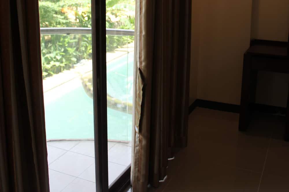 prabangus kambarys - Balkonas