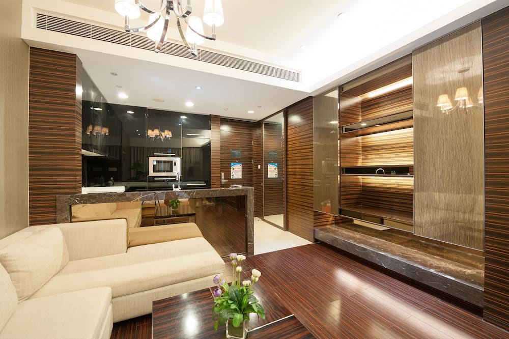 Executive Triple Room - Living Area