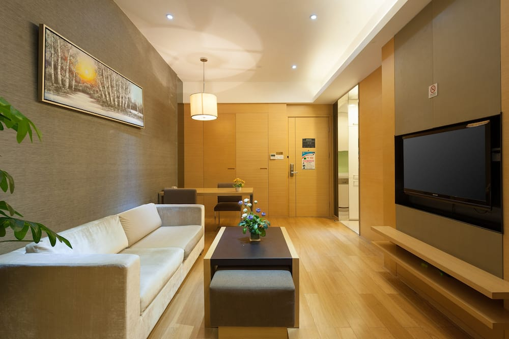 Business Suite Room - Living Area