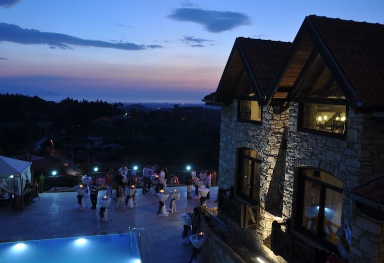 The Stone Castle Boutique Hotel, Soke, Alberca al aire libre
