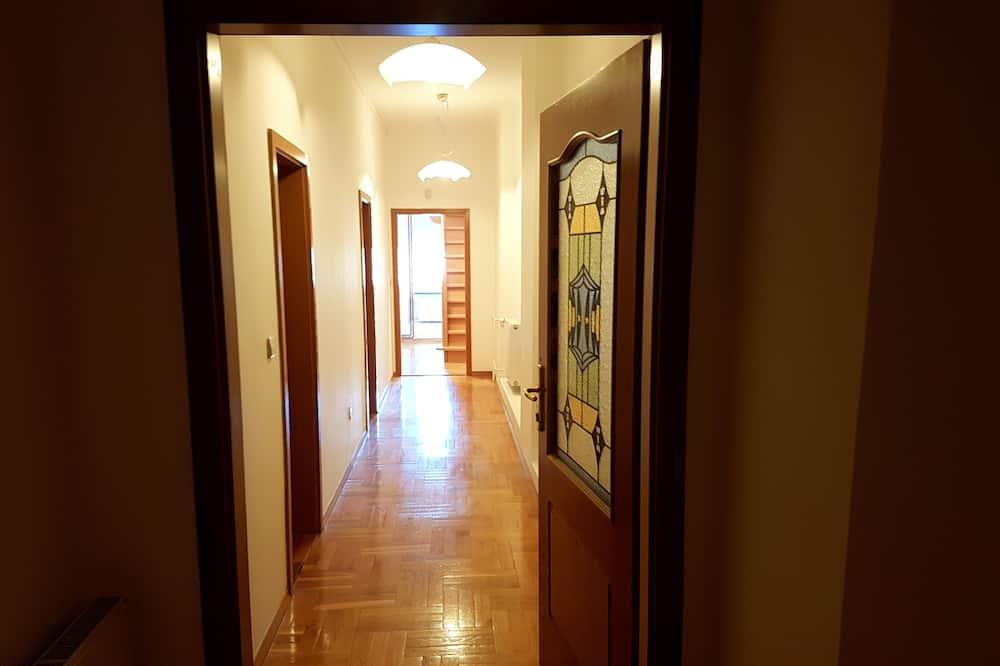 Quadruple Room with Shared Bathroom - Badeværelse