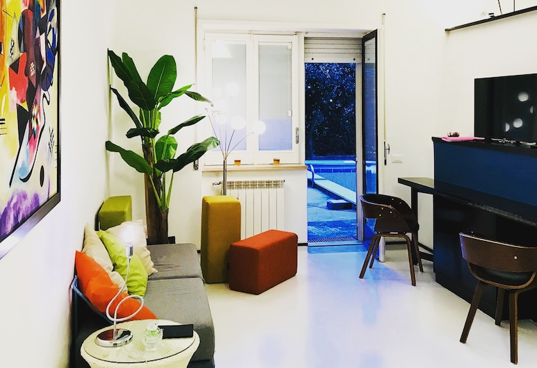 The Pool House Suite, Sorrent, Design-Apartment, 1 Schlafzimmer, Wohnbereich