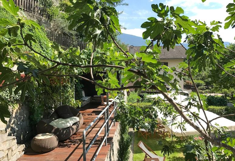 伊薩克斯住宅飯店, 布列瑟農, 花園