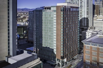 15 Closest Hotels To Colorado Convention Center In Denver Hotels Com