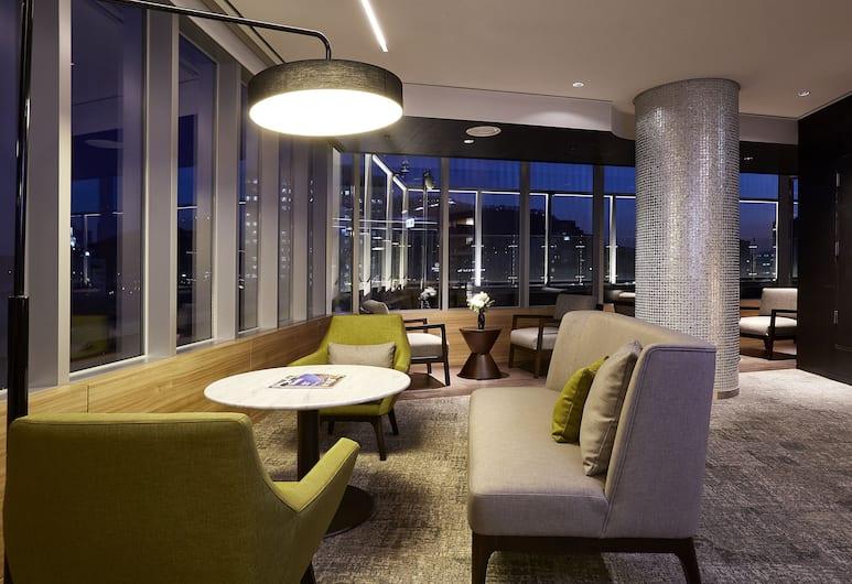 โรงแรมไนน์ทรี พรีเมียร์ เมียงดง 2, โซล, เอ็กเซกคิวทีฟเลาจน์