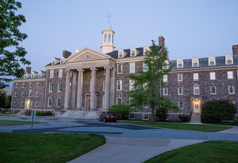 University of King's College, Halifax, Hotel Front