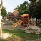 Игровая площадка для детей (снаружи)