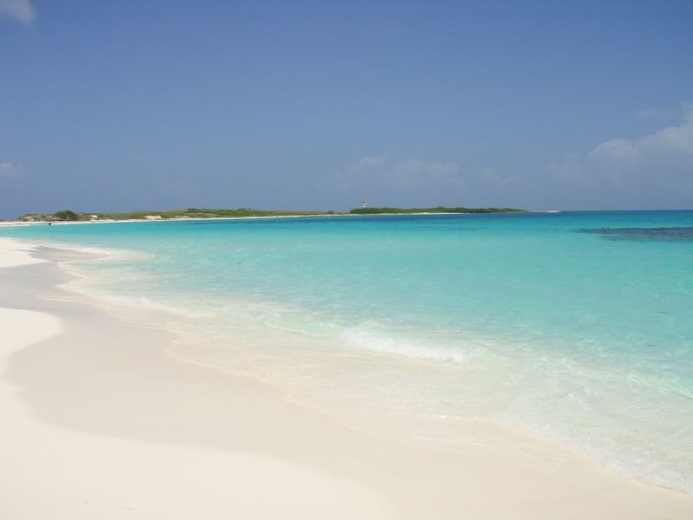 Bequeve Los Roques Beach