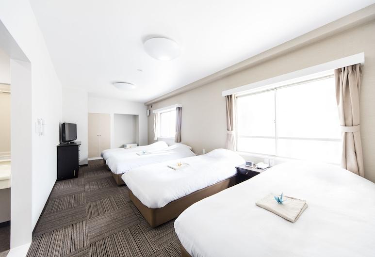 Best Hotel, Tokyo, Standard Quadruple Room, Guest Room