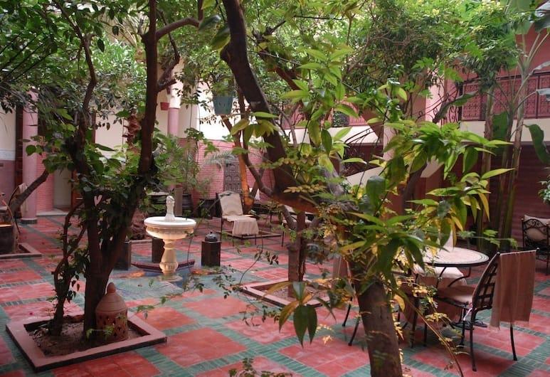 恩傑馬之家酒店, 馬拉喀什, 庭園