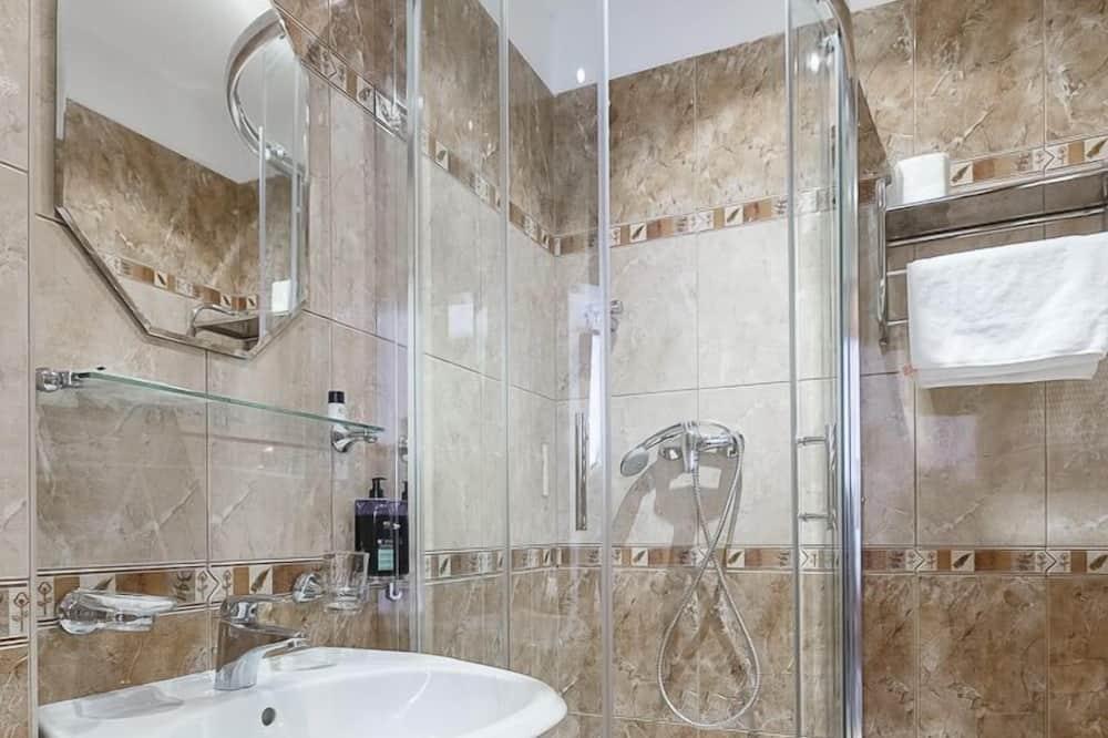 Класичний номер (1 двоспальне або 2 односпальних ліжка), 1 спальня - Ванна кімната