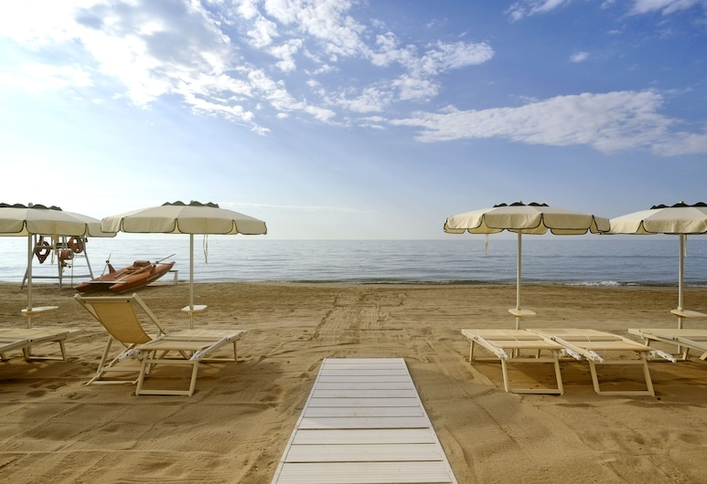 Diana Grand Hotel, Alassio, Pantai