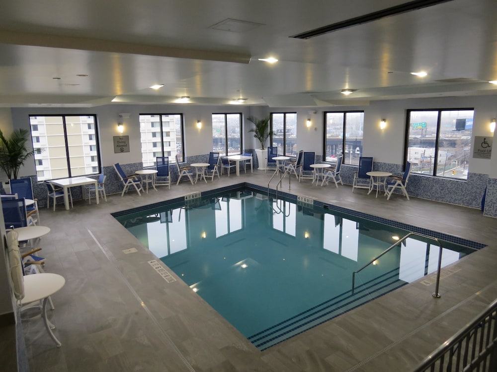 Best Western Premier Nyc Gateway Hotel North Bergen Pool