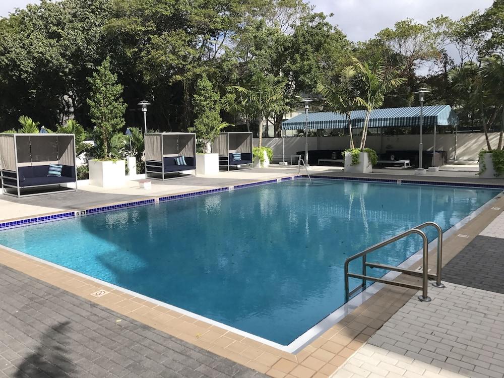 LYX Suites at Bayshore Grove in Coconut Grove, Miami