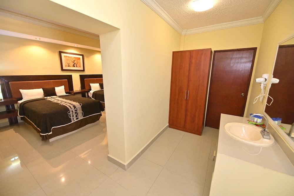 Četrvietīgs ģimenes numurs, divas guļamistabas - Dzīvojamā zona