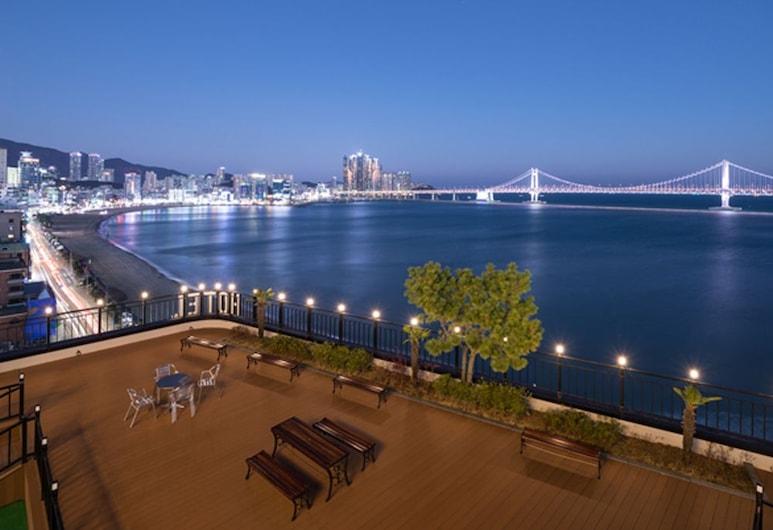 Hound Hotel Gwangan, Busan, Terasz/udvar